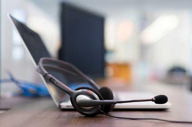 پشتیبانی شبکه هلپ دسک به صورت غیر حضوری با تلفن