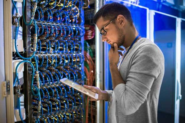 کارشناس شبکه پشتیبانی شبکه و سرور